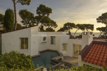 Sale House - Cap d'Antibes / 0619m,  Cap D'antibes, France