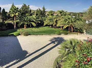 Sale Villa - Antibes / 227,  Antibes, France