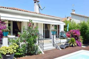 Sale Villa - Juan-les-Pins / 3949,  Pins, France