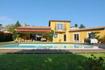 Villa / luxury real estate for sale in Juan, France