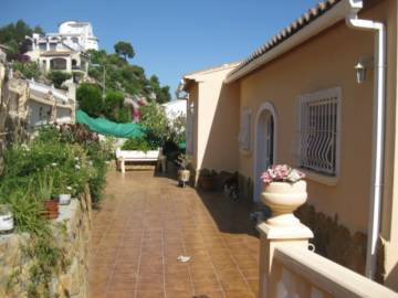 Villa / luxury real estate for sale in Ador, Spain