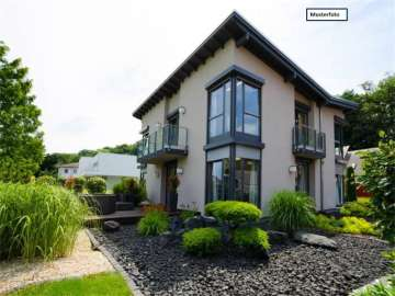 Double / Terraced houses for sale in Dassel, Germany
